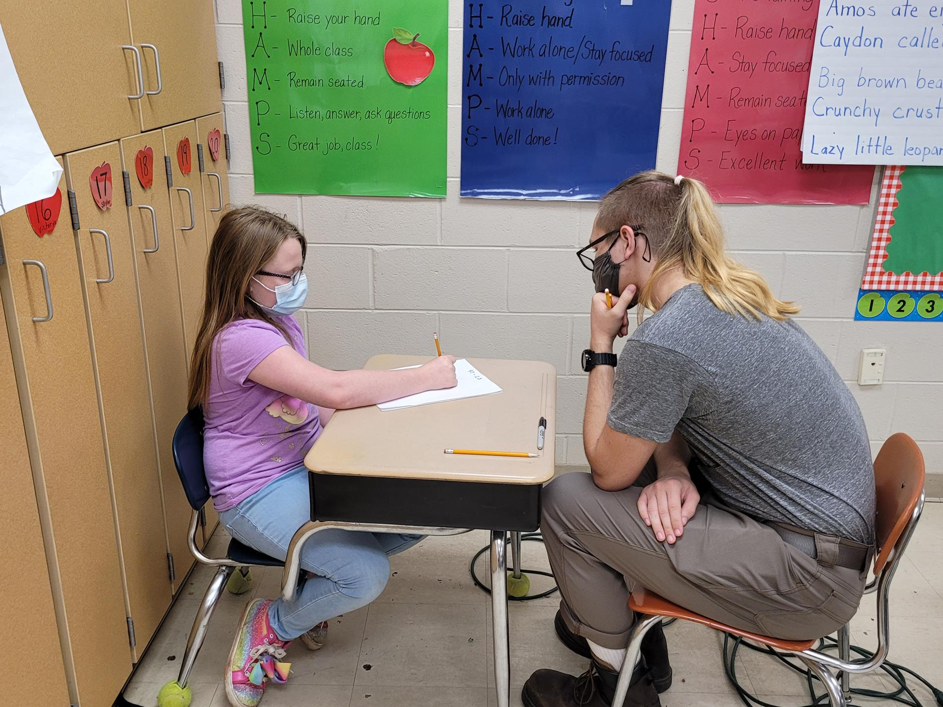 Alden works with Elementary Students