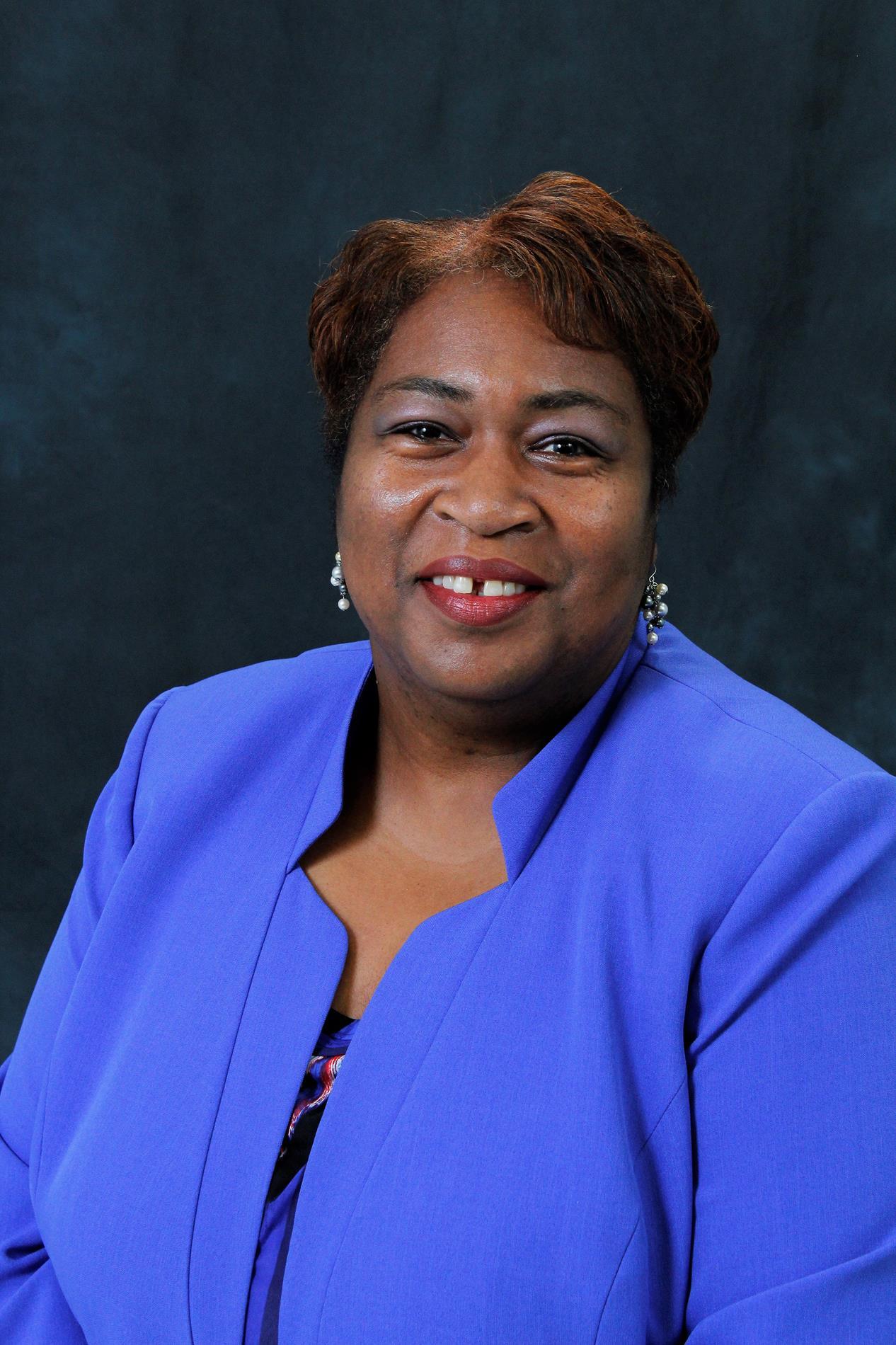 Michelle Manzy, Principal