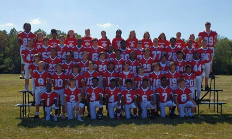 the 2019 8th grade football team (formal team pictures)