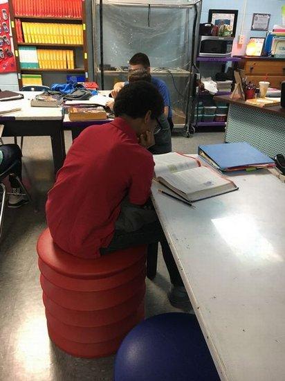 Student using Ergo Seat