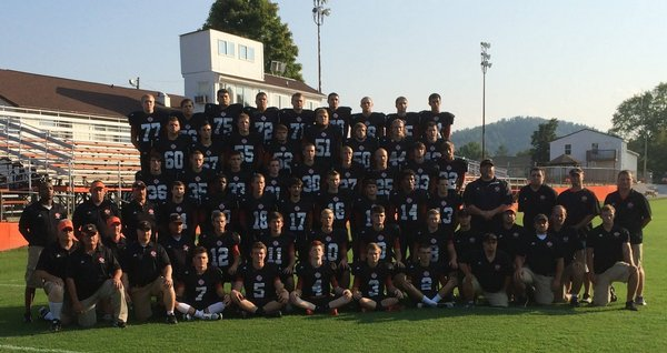 HS Football Team Picture
