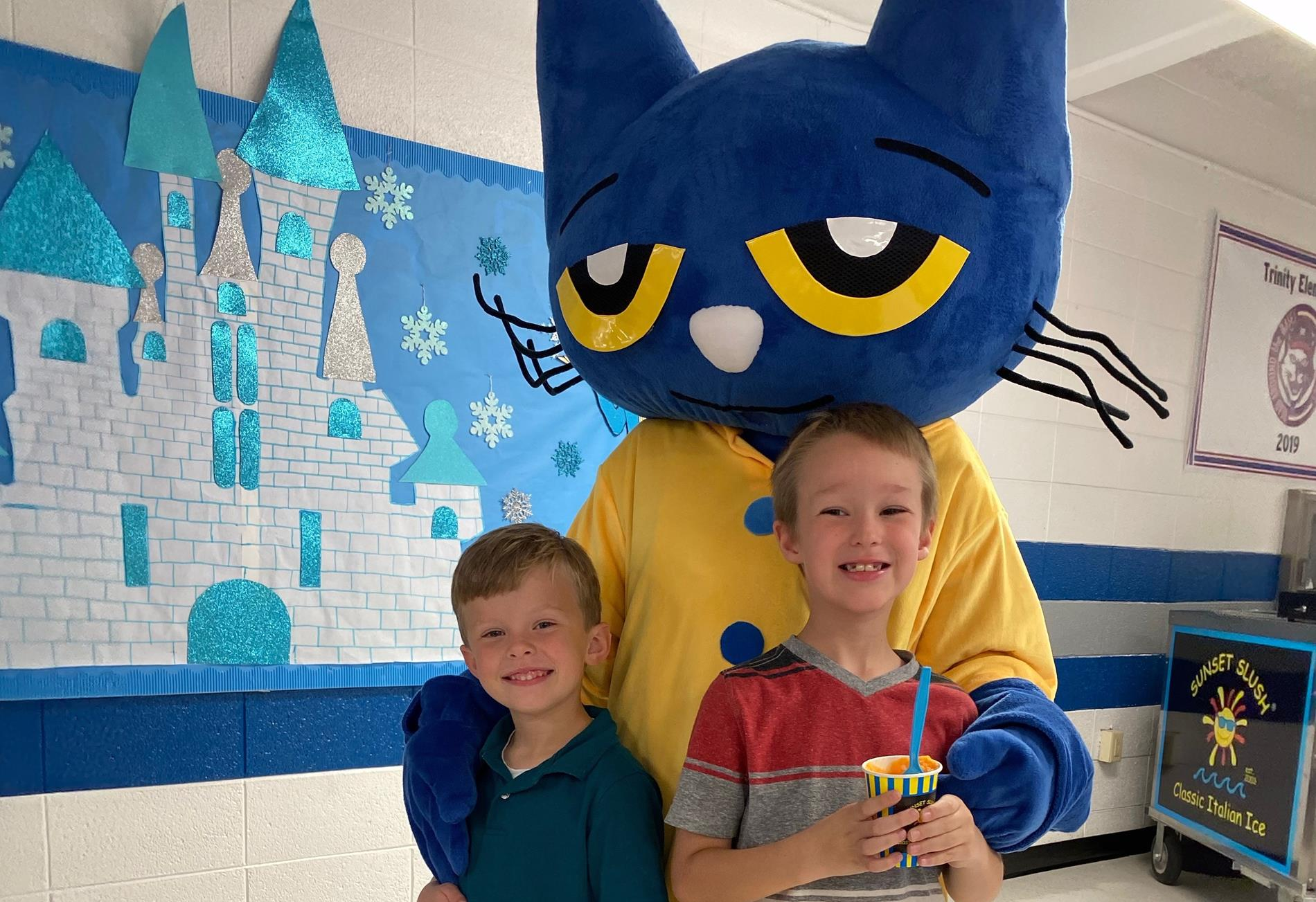 kids with Pete The Cat