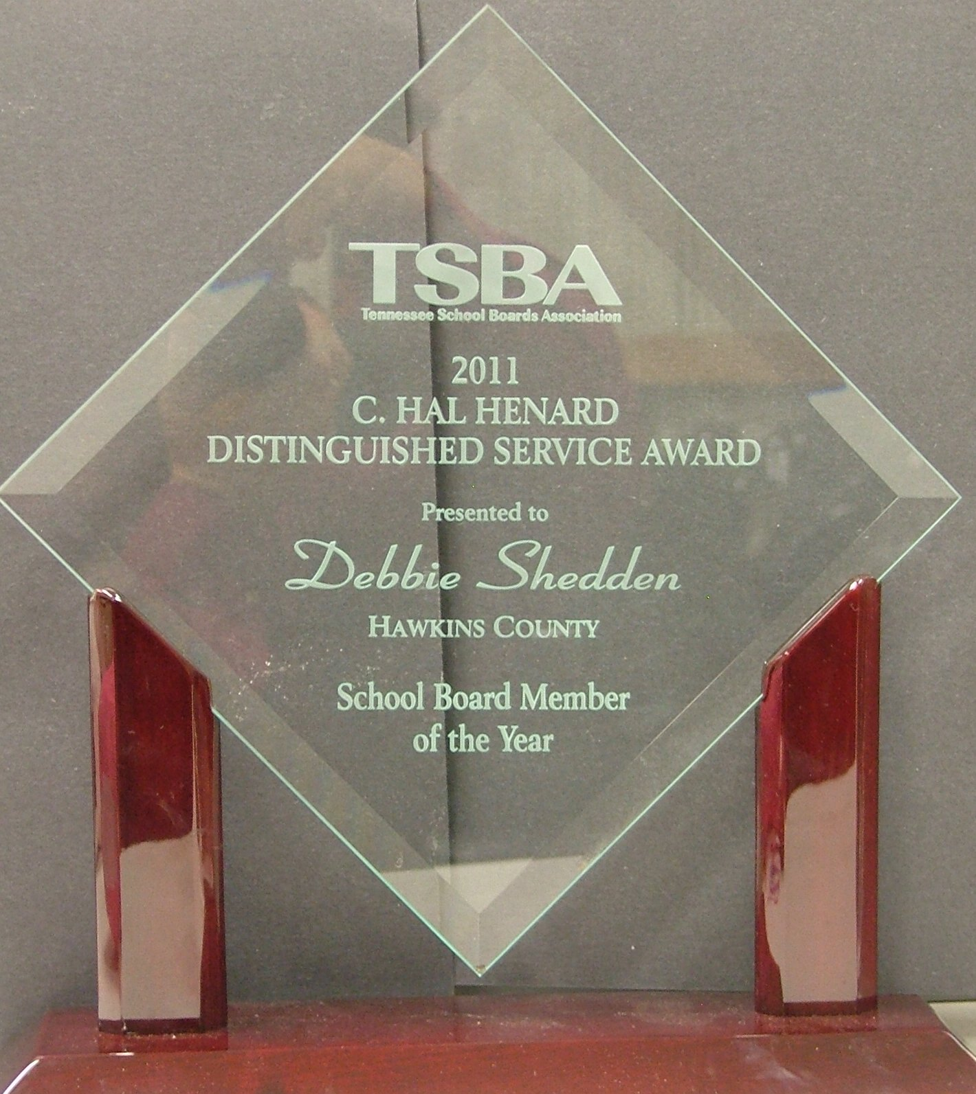 Debbie Shedden received the TSBA C.Hal Henard Distinguished Service Awar