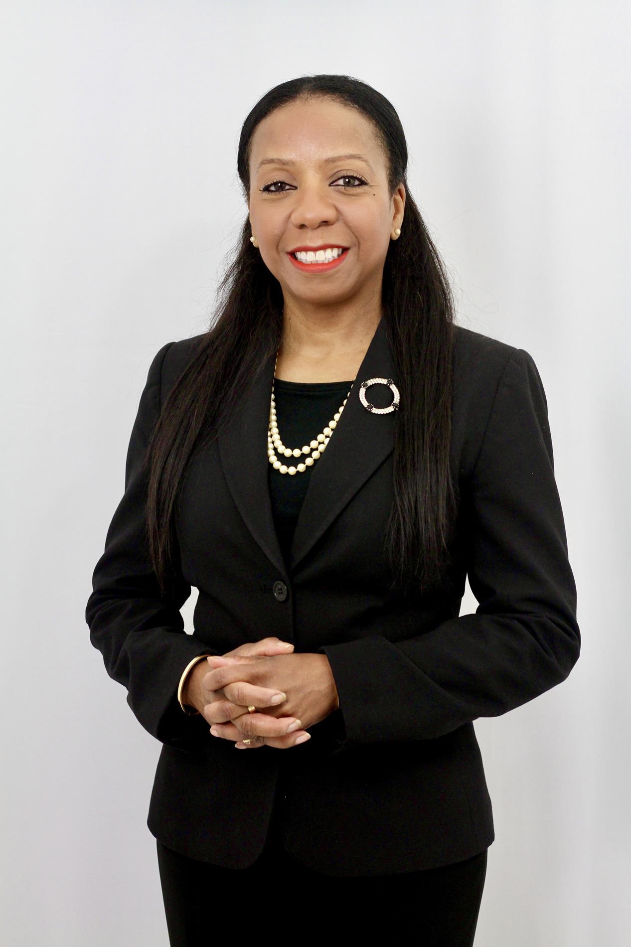 Dr. Paula Knight
