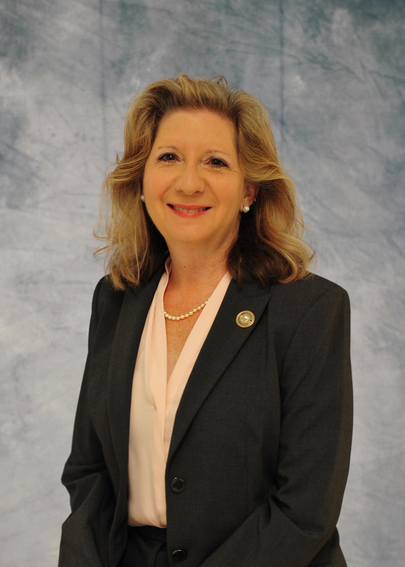 Rebecca Dunnivant, Principal