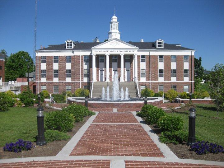 Smiddy Memorial Fountain