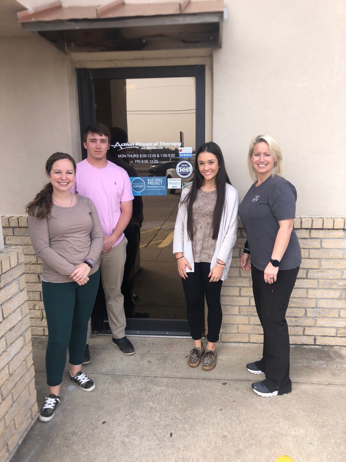 Two students attend job shadow with Shawnee physical therapist