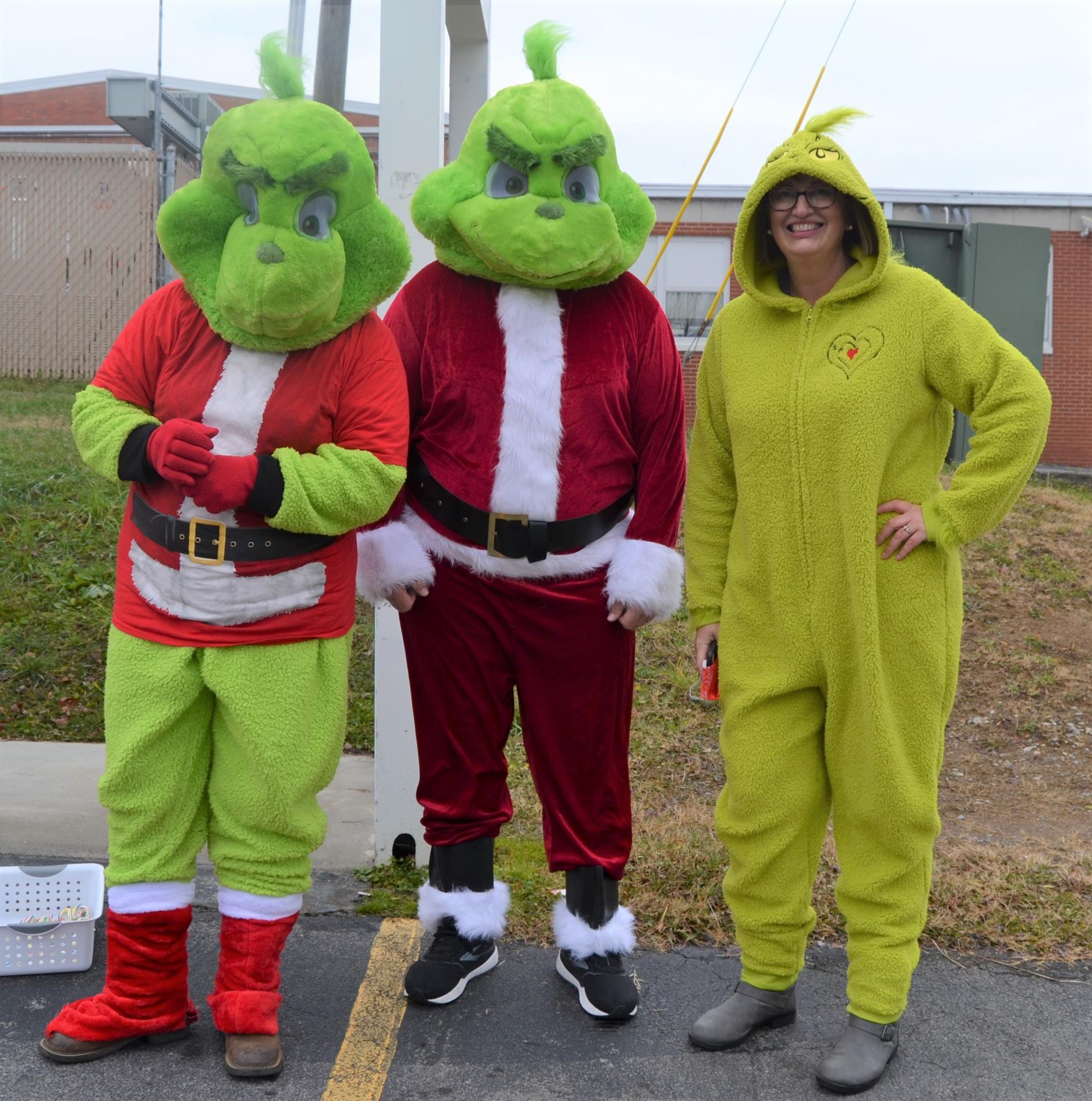 teachers dressed up for Christmas