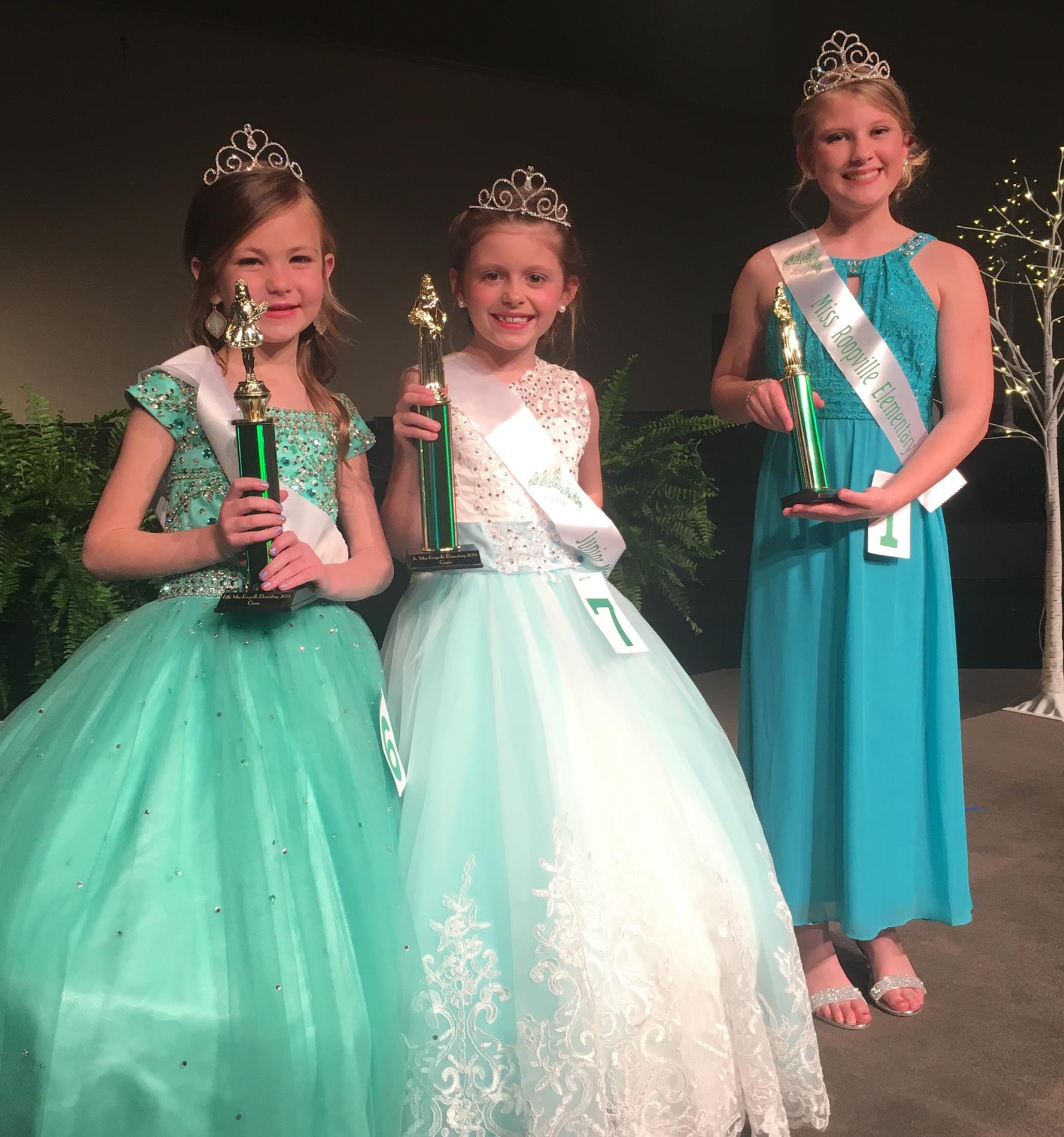 3 Pageant Contestants