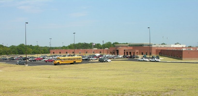 New Horn Lake High School 2006