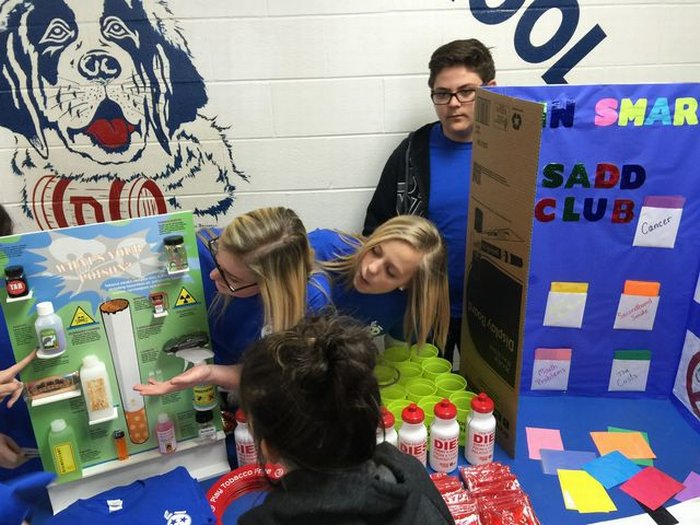DMS SADD club showing students how dangerous tobacco can be on your health.