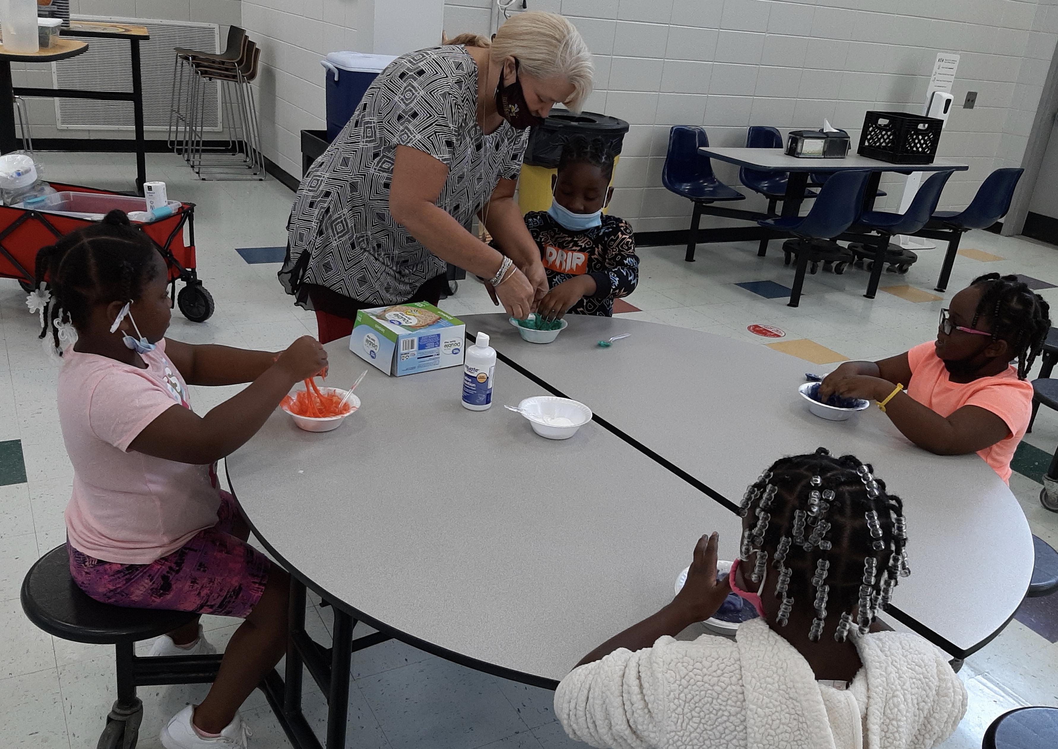 Heidi Goodin, Chatt Flint RESA helping students make slime