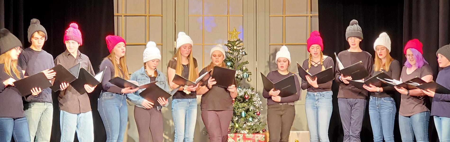 Students sing in holiday concert