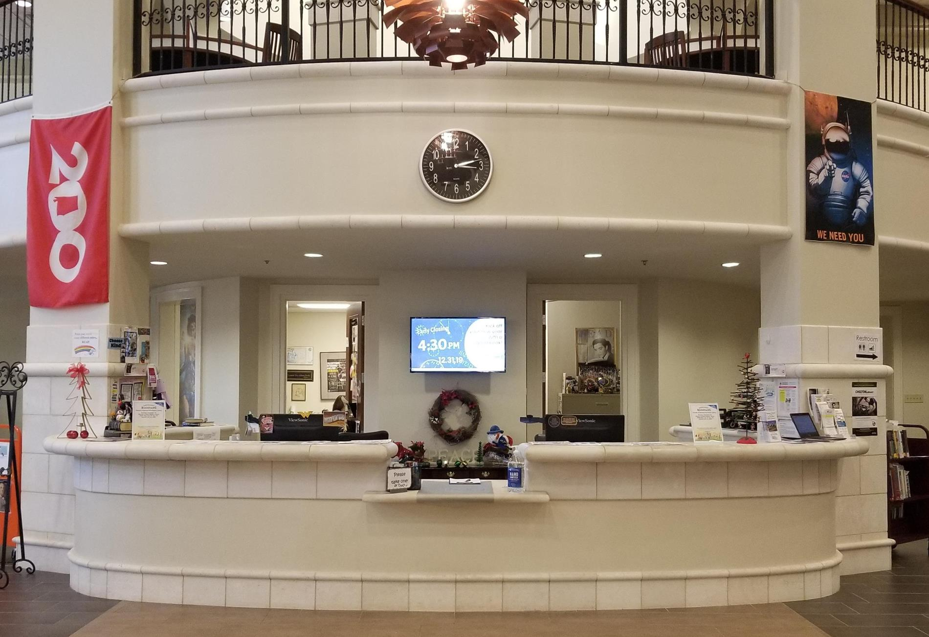 Photo of the front desk at Spanish Fort Public Library