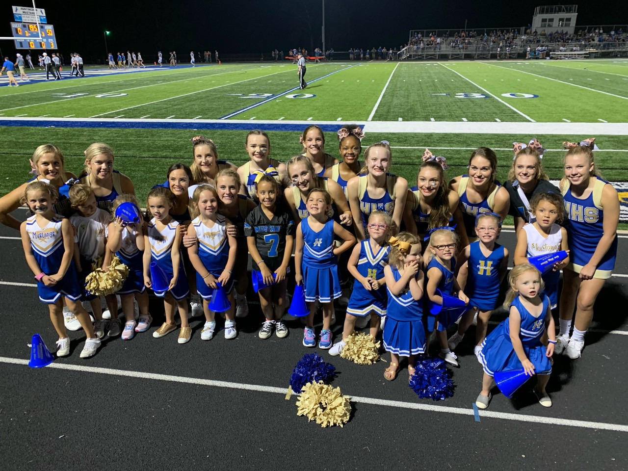 Cheer with the Cheerleaders