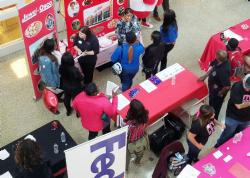 Students Attend #Chicago100K Job Fair