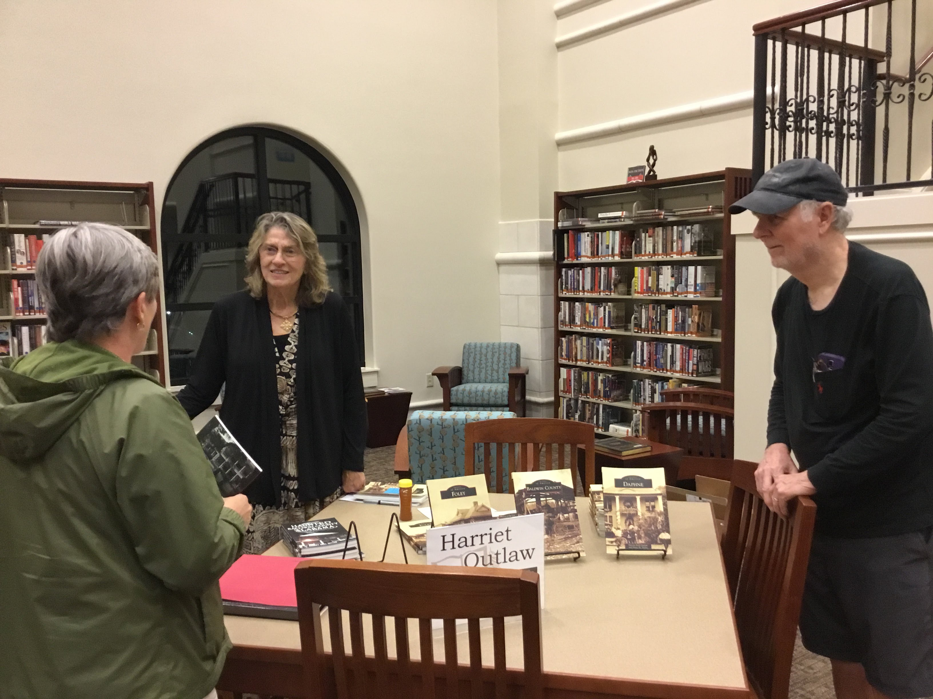 Harriet Outlaw talks with SFPL patrons at author event