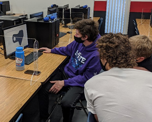 Students using Engineering software