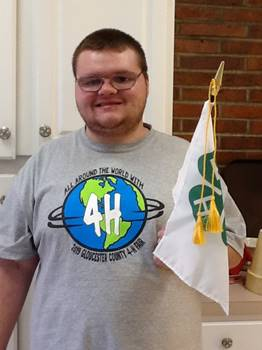 ADS student leading the 4-H pledge