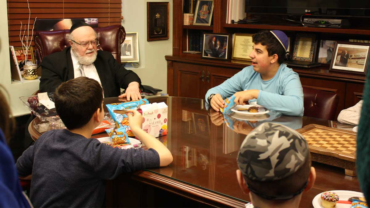 Dr. Weinstein met with students of Shema Kolainu – Hear Our Voices for a special celebration and discussion of the holiday of Tu B'Shvat