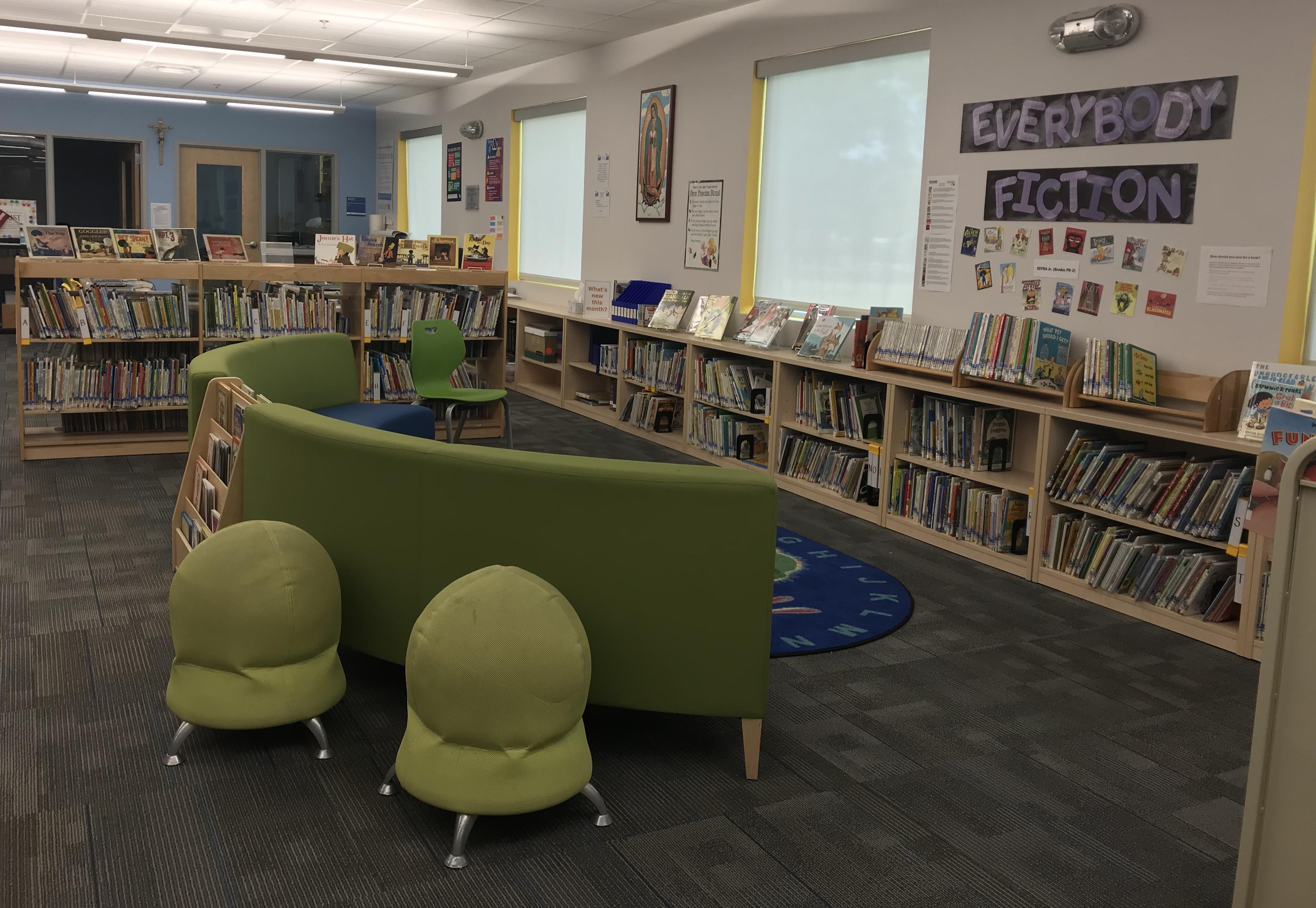 Learning Commons library shelves